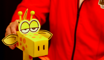 Box Yourself Minis - S2E102 - Giraffe Paper Towel Tower
