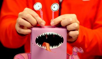 Box Yourself Minis - S2E89 - Wailin Chickenlegged Monster